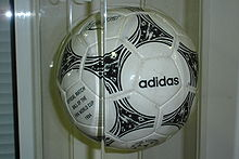 Adidas Questra USA 1994 Official ball.jpg