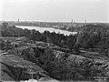 Alppilan kallioilta näkymä Töölön lahdelle - N735 (hkm.HKMS000005-00000166).jpg