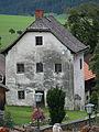 Altes Mesner-Wohnhaus in Assach (Aich).jpg