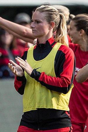 Amandine Henry - Henry in 2016 with the Portland Thorns in 2016