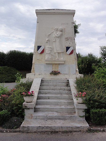 Amigny-Rouy (Aisne) monument aux morts