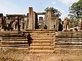 Angkor Thom Bayon 12.jpg