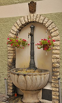 Antica fontana - Calliano (TN).jpg