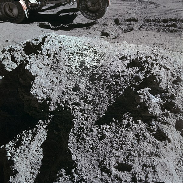 File:Apollo 15 Green Boulder.jpg