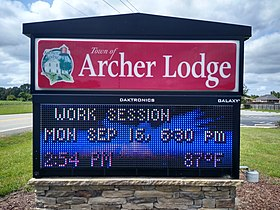 Archer Lodge town sign.jpg