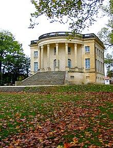 Folie maison de plaisance wikip dia for Maison blanche classique