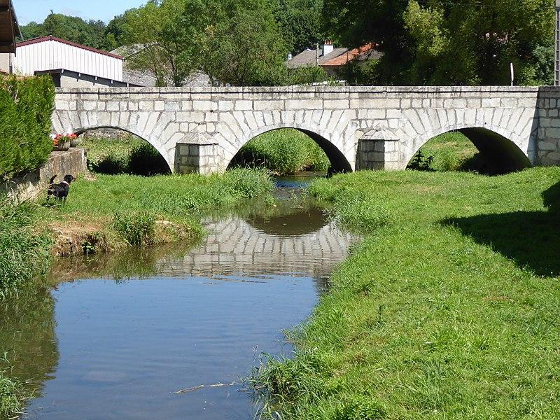 Pont sur l'Aroffe à Gémonville en Meurthe-et-Moselle.