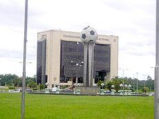 Luque. Edificio de la Confederación Sudamericana de Fútbol.