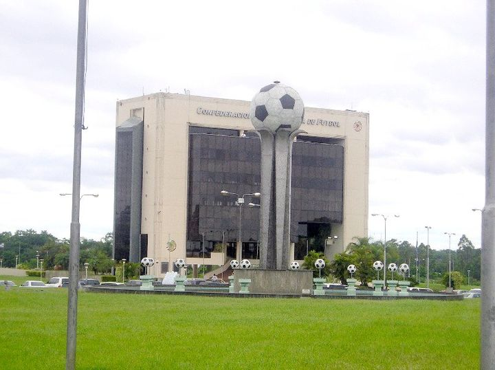 Headquarters of CONMEBOL in Luque, Paraguay Asuncion - Edificio CSF.JPG