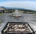Avenue of the Dead at Teotihuacan panorama 2.jpg