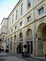 Avignon - 22 rue du Vieux Sextier.JPG