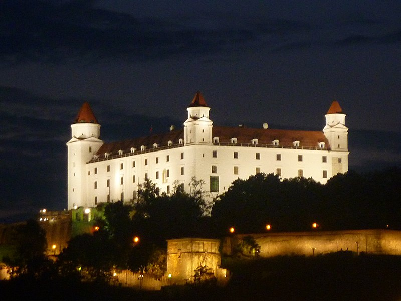 Ba castle at night.JPG