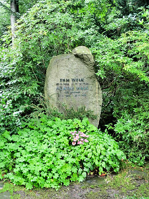 Lübbenau - Bad Doberan cemetery grave Ehm Welk 2011