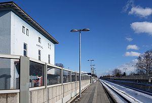 Munich–Mühldorf railway - Ampfing station in January 2015 - view towards Mühldorf