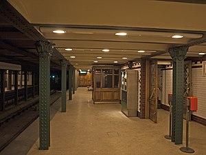 Bajza utca (Budapest Metro) - Eastbound platform