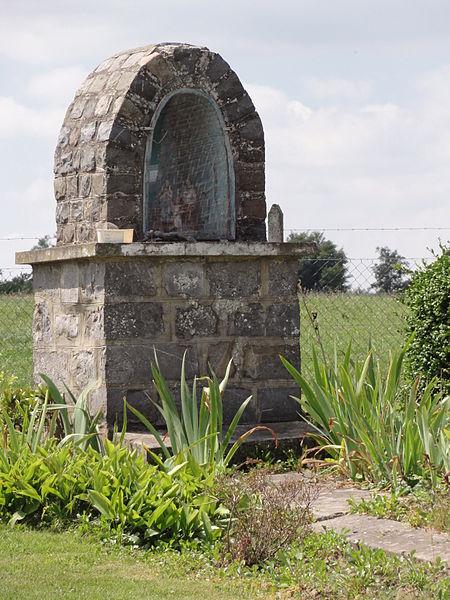 Barzy-en-Thiérache (Aisne, Fr) chapelle lieu-dit Mon Idée