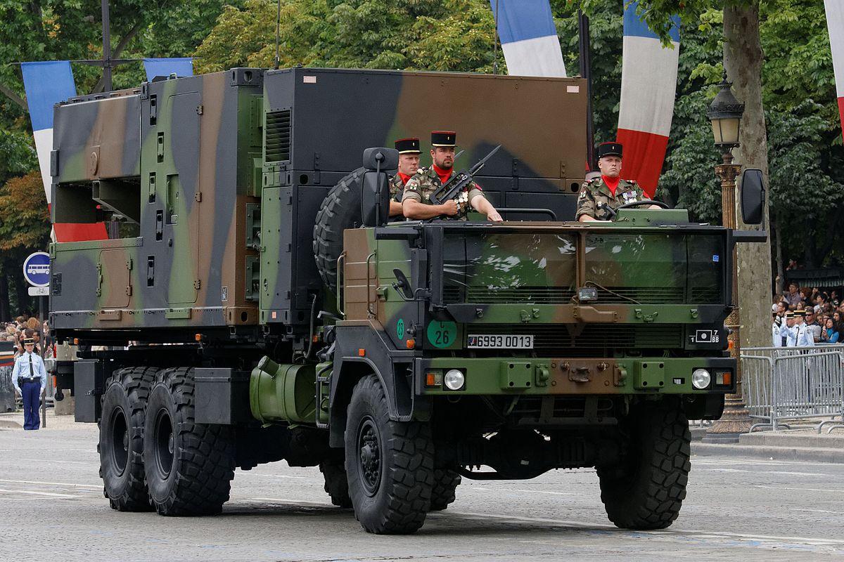 1200px-Bastille_Day_2014_Paris_-_Motorised_troops_068.jpg