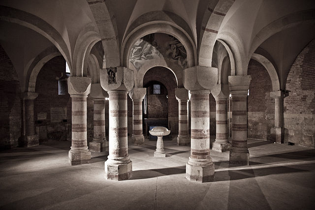 5th place: Baptistery of St. Peter, San Pietro in Consavia church, Asti: interior view