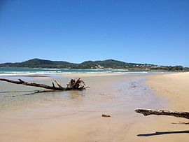Beach at North Shore, Queensland 03.jpg