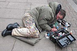 Ben Wilson chewing gum artist at work.jpg