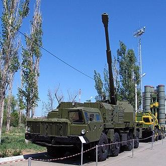 130 mm coastal defense gun A-222 - A-222 at a military exhibition on the Kapustin Yar missile range
