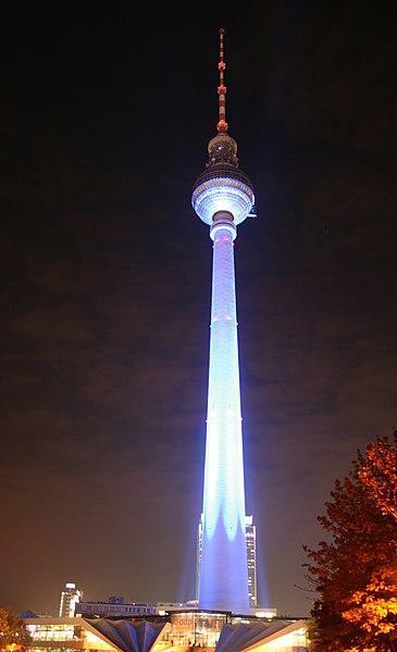 File:Berlin Fernsehturm Festival of Lights 2007.jpg