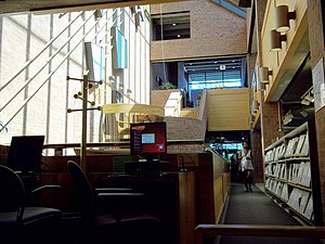 Montreal Public Libraries Network - Image: Bibliotheque Cote des Neiges interieur