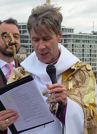 Tim Thornton (bishop) - Thornton at the 2019 Blessing the Thames ceremony on London Bridge