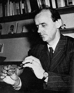 Björn-Erik Höijer i sit hjem i Uppsala 1950.