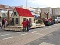 Bloemencorso Noordwijk 2003, huisje 1785 (2).jpg