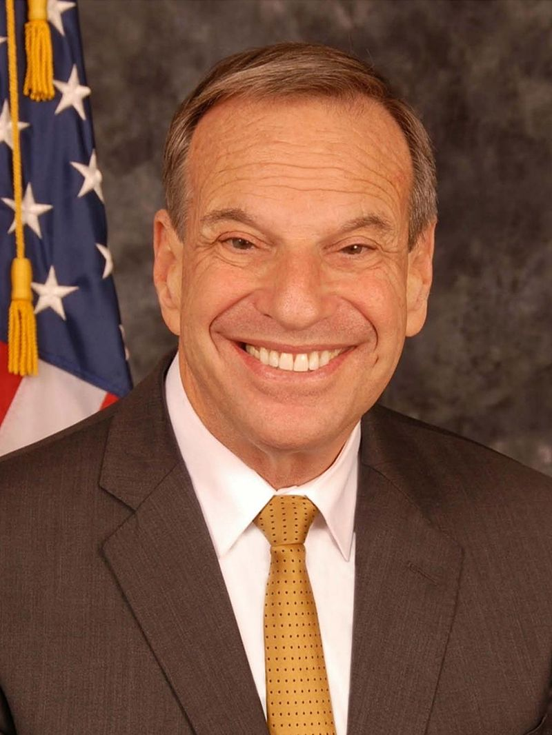Bob Filner mayoral portrait.jpg