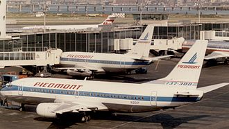 Piedmont Airlines (1948–89) - Boeing 737s at La Guardia Airport in August 1985
