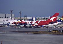 Boeing 747-438, Qantas AN0136144.jpg