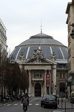 Bourse de commerce (Paris) - Entrance of the Bourse de Commerce