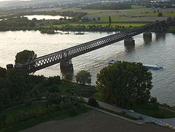 Brücke Urmitz.Rhein.JPG