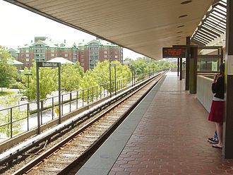 Braddock Road station - Image: Braddock Road Station 2