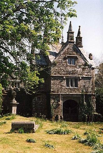 Grade I listed buildings in West Devon - Image: Bradstone gatehouse geograph.org.uk 39080