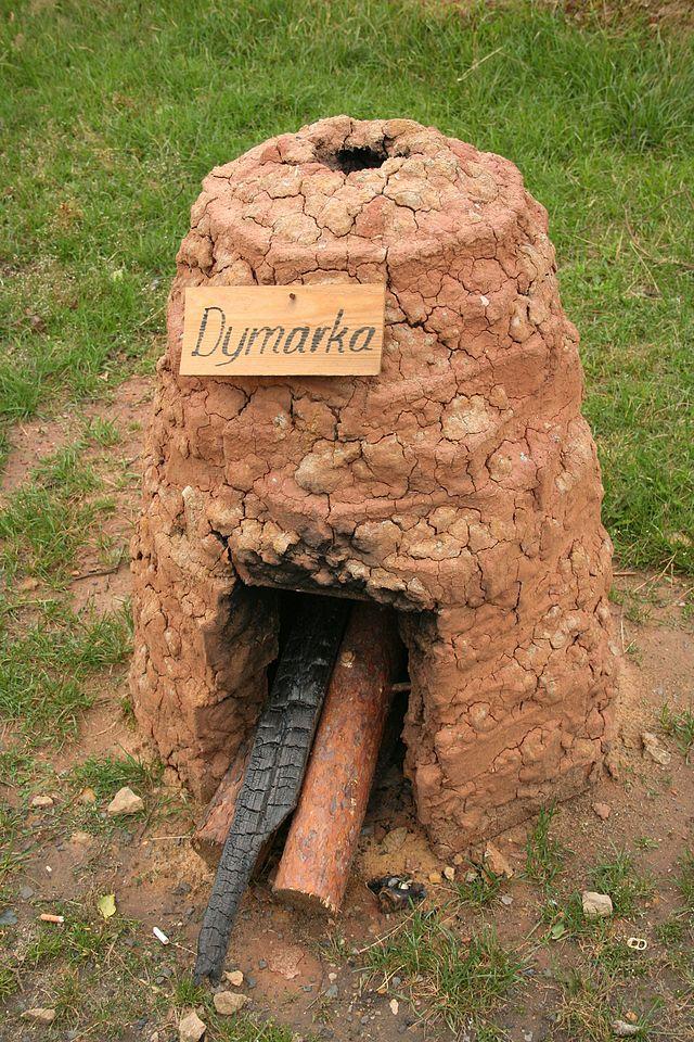 Wikipedia - dymarka - rekonstrukcja z miejscowości Brusiek