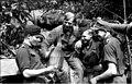 Bundesarchiv Bild 101I-721-0387-05A, Frankreich, SS-Panzersoldaten vor Panzer.jpg