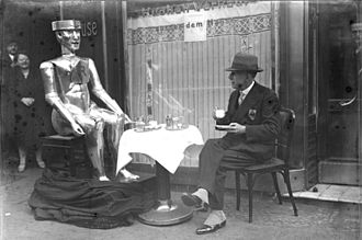 Eric (robot) - George, a later model of Eric, taking breakfast with his inventor William Richards in Berlin, 1930