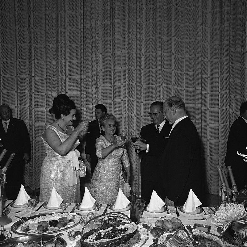 Bundesarchiv Bild 183-D0609-0001-001 Berlin, Empfang für Josip Broz Tito