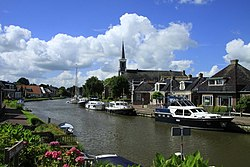 Canal through Burdaard