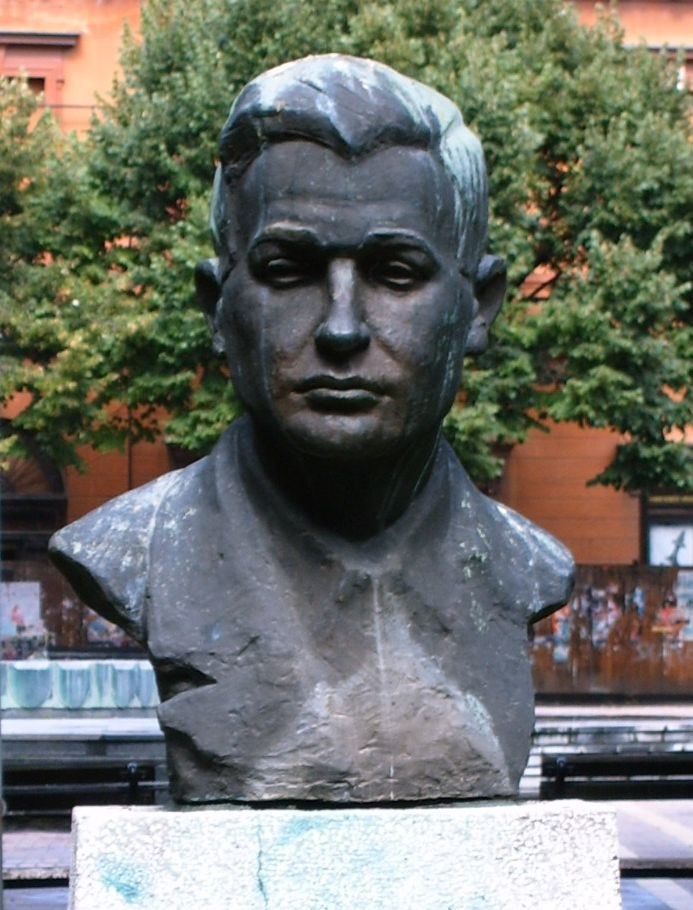 Bust of geza csath in subotica