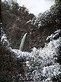 COLLECTIE TROPENMUSEUM De Cikundul waterval Tjibeureum TMnr 60019059.jpg