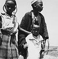 COLLECTIE TROPENMUSEUM Portret van drie Fulani kinderen TMnr 20012981.jpg