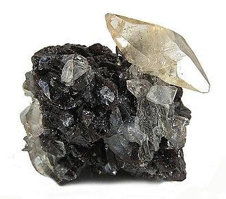 Sphalerite - Image: Calcite Sphalerite 66634