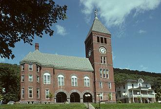 Cameron County, Pennsylvania - Image: Cameron County Courthouse, Emporium, PA