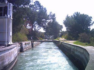 Canal de Marseille - The canal de Marseille as it leaves the Roquefavour Aqueduct.