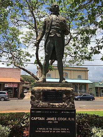 Hofgaard Park, Waimea, Kauai - Image: Captain Cook statue in Waimea,Kauai