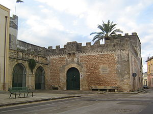 Depressa - The castle, parts of which date to the 14th century, was substantially rebuilt in the 16th century. It is Depressa's oldest monument.